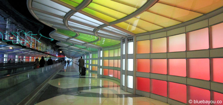 A hallway at the Chicago O'Hare International Airport.