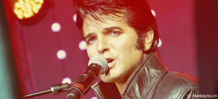 Dean Z as Elvis during his jam session in Blackpool, England.